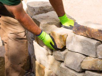 gartengestalung-trockenmauer-bauen-bepflanzen